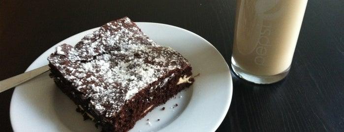 Auf der Suche nach dem verlorenen Glück is one of Berlin's cake and coffee heaven....