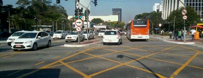 Avenida Rebouças is one of AVENIDAS & RUAS | BRAZIL.