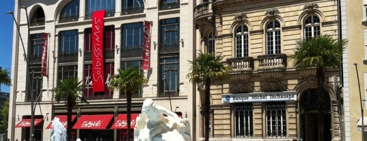 Place Clemenceau is one of Prive.