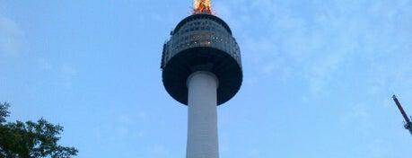 N Seoul Tower is one of เที่ยว Soul, Korea.