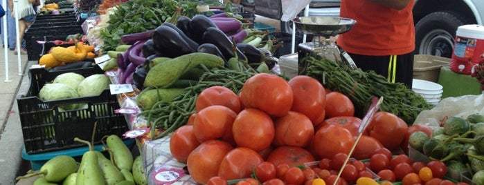 Farmers' Market On Broadway is one of Family fun!.