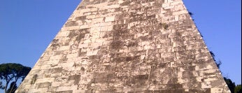 Piramide Cestia is one of La Dolce Vita - Roma #4sqcities.