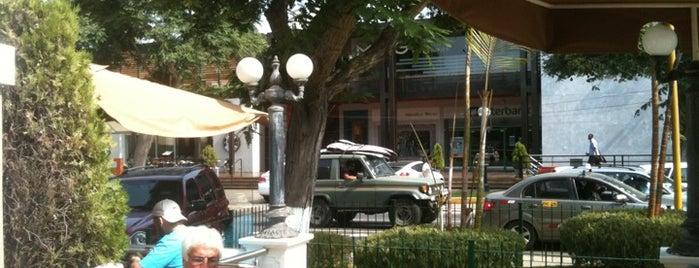"""Pastelería San Antonio is one of Cafés """"Info Llama""""."""