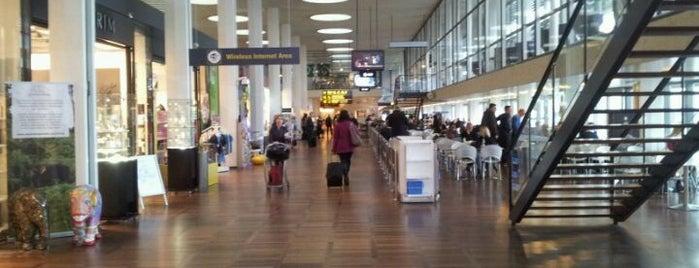 Copenhagen Airport (CPH) is one of Copenhagen #4sqCities.