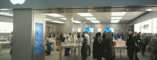 Apple Vélizy 2 is one of All Apple Stores in Europe.