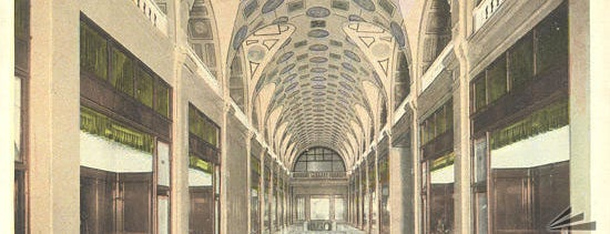 Great American Insurance (Dixie Terminal) is one of Surviving Historic Buildings in Cincinnati.