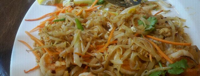 Bua Thai Cuisine Restaurant & Bar is one of DC To Do - Eat.