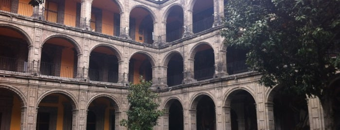 Antiguo Colegio de San Ildefonso is one of 32 Museos que Rockean en el DF.
