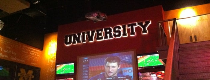University Sports Bar is one of restaurantes a visitar.