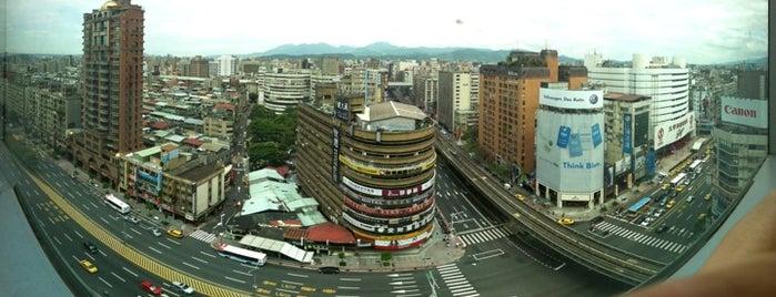 太平洋 SOGO 百貨 - 台北忠孝館 is one of All-time favorites in Taiwan.