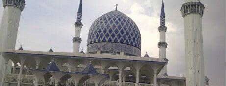 Masjid Sultan Salahuddin Abdul Aziz Shah is one of Baitullah : Masjid & Surau.