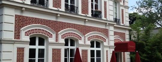 Le Pavillon de la Tourelle is one of Restaurants & cafés chics.