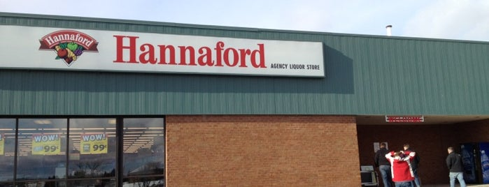 Hannaford Supermarket is one of Places I Like.
