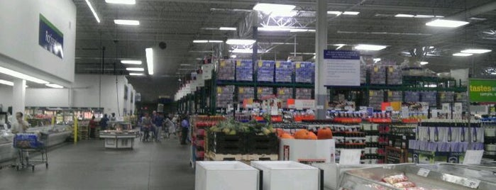 Sam's Club is one of Recycle Hotspots.