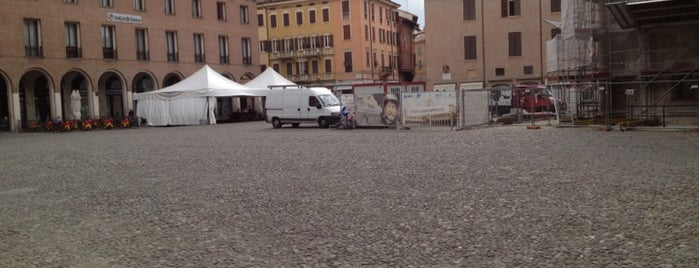 La Piazza is one of Italien.