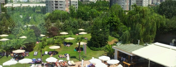 COLORS - Eat, Drink, Party - (Hillside City Club) is one of Atasehir'de yaşam.