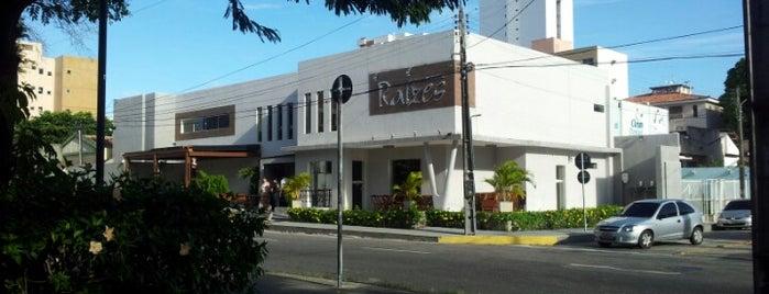 Restaurante Raízes is one of Restaurantes.