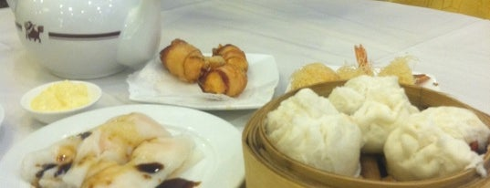 Golden Unicorn Restaurant 麒麟金閣 is one of Brunch Bunch.