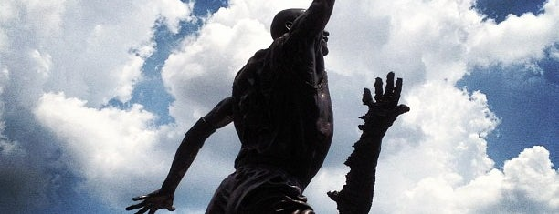 The Spirit by by Omri & Julie Rotblatt-Amrany (Michael Jordan Statue) is one of IL.