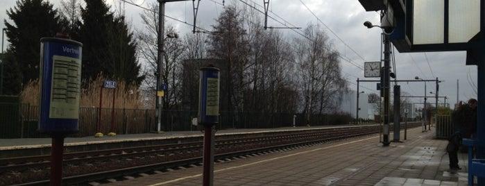 Station Zele is one of Bijna alle treinstations in Vlaanderen.