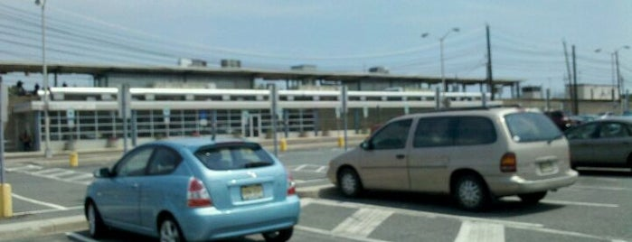 PATCO/NJ Transit: Lindenwold Station is one of Places I been to before in my life.