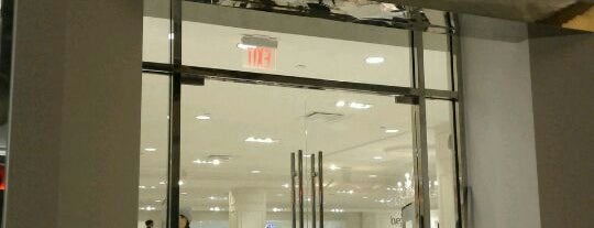 Forever 21 is one of Queens Center Mall.