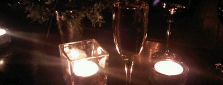 One if by Land, Two if by Sea is one of Top 10 Most Romantic Restaurants in New York City.