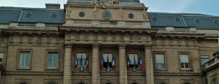 Palais de Justice de Paris is one of Paris.