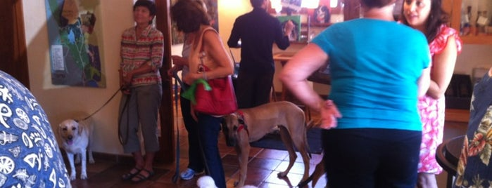 Topel Wines is one of Especially Pet-Friendly Wine Road Members.