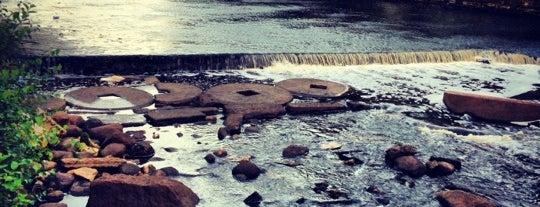 Охтинская плотина is one of Интересное в Питере.