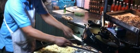 ตลาดโต้รุ่ง เมืองกาญจน์ is one of Favorite Food.