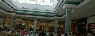 Shopping Iguatemi Esplanada is one of Família Poppes.