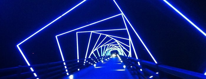 High Trestle Trail Bridge is one of Landmarks 'Round The World.
