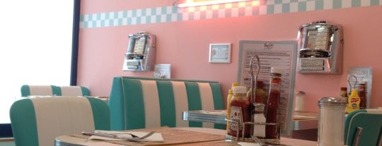 Peggy Sue's is one of Comer bien.