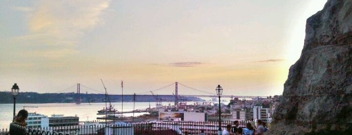 Miradouro de Santa Catarina (Adamastor) is one of Must-see @ Lisbon.