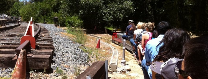 Los Angeles Live Steamers Railroad Museum is one of Attractions to Visit.