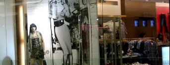 Guess senayan city is one of favourite Store.