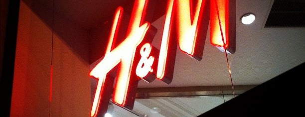 H&M is one of NY Fashion Weeks 7-14 Feb 2013 (inactive).