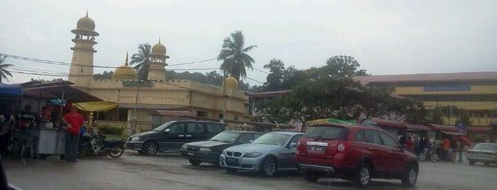 Masjid Jamek Bandar Karak is one of Baitullah : Masjid & Surau.