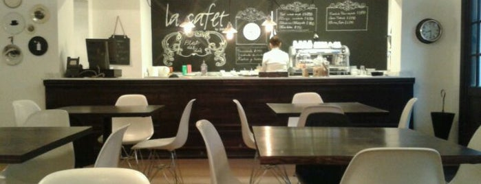 La Cafet is one of Cafés Pendientes.
