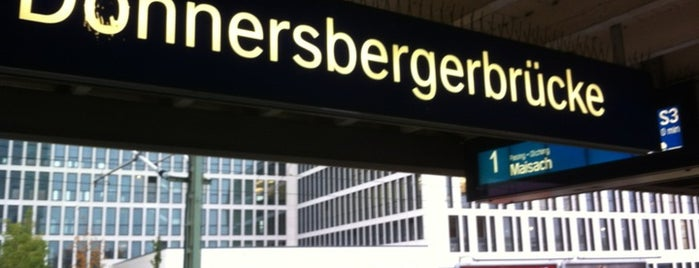 S Donnersbergerbrücke is one of München S-Bahnlinie 4.