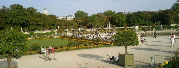 Luxembourg Garden is one of Paris.