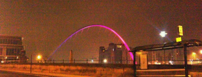 Gateshead Millennium Bridge is one of Best of World Edition part 1.