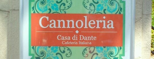 Cannoleria Casa di Dante is one of Café com algo.