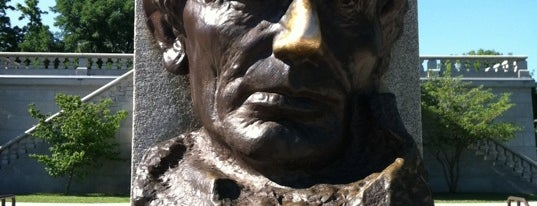 Lincoln Tomb State Historic Site is one of Best Places to Check out in United States Pt 2.