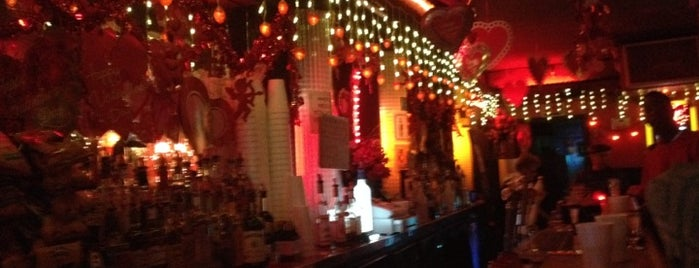 Rosemary's Greenpoint Tavern is one of Comprehensive List of Bars in Williamsburg Bklyn.