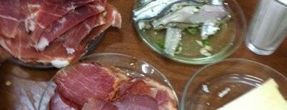 """La Bodega Fila """"El Labrador"""" is one of Donde comer bien en Valencia."""