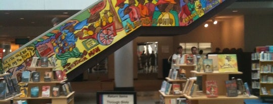 Columbus Metropolitan Library - Main Library is one of My Favorite Free Wi-Fi Spots Around the World.