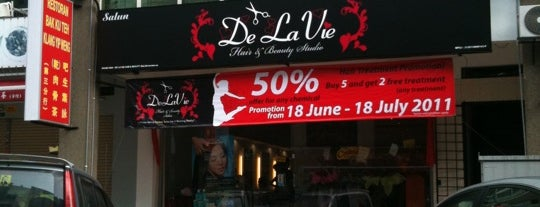 De La Vie Hair & Beauty Salon is one of New People.