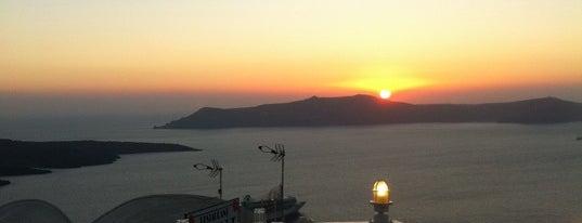 Argo Restaurant is one of Santorini.
